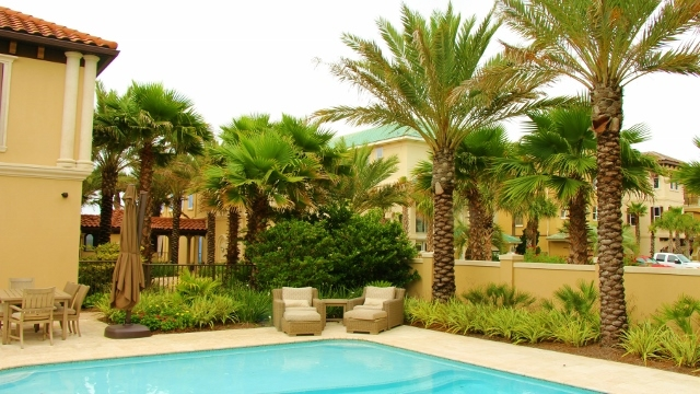 residential-landscaping-florida-3-640x360