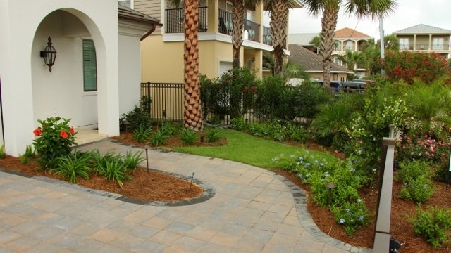 residential-landscaping-6-640x360