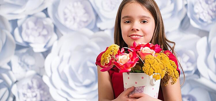 artificial flowers in play areas inspire creativity