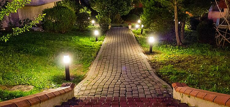 Maintaining Outdoor Lighting Efficiency in Winter